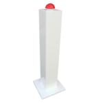 Rode lanceerknop op paal rode knop