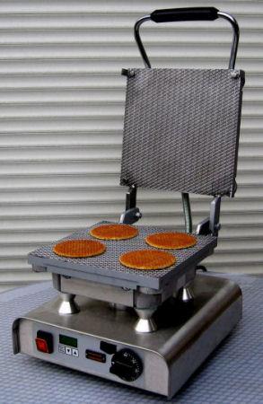 Stroopwafelijzer met stroopwafels erin voor verhuur bij allinpartyverhuur